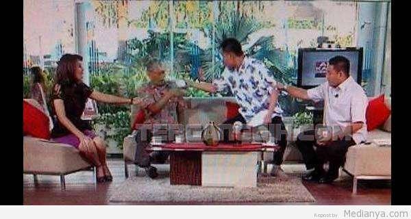 Video Penyiraman Thamrin Apakabar Indonesia 28 Juni 2013