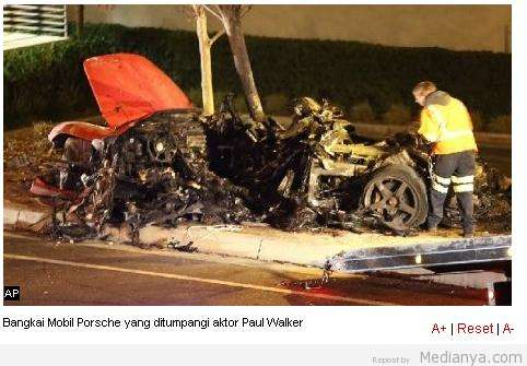 Foto Mobil Paul Walker Kecelakaan