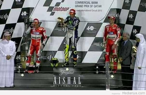 Hasil MotoGP Qatar 2015 : Rossi Juara , Marquez Finish Kelima