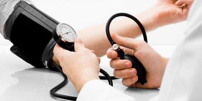 Makanan Pantangan Darah Tinggi yang Harus Dihindari