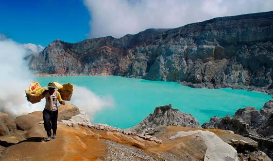 Keajaiban Paket Wisata Indonesia di Kawah Ijen Banyuwangi Jawa Timur