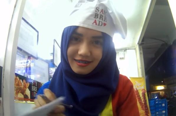 Hafizah Kasir Cantik Banjarmasin Jadi Trending Youtube