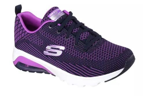 Sepatu Olahraga Wanita Sebagai Pelengkap Gaya Baru Berbusana Anda