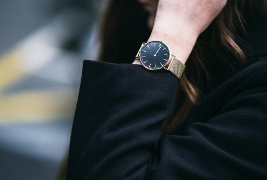 5 Tips Memilih Jam Tangan Wanita Original Yang Sesuai Dengan Bentuk Tangan