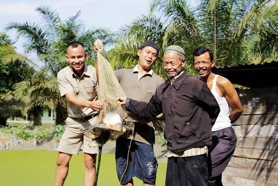 Sukanto Tanoto Memberdayakan Masyarakat dengan Beragam Cara