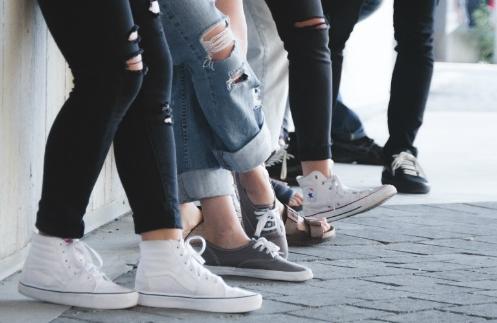 Bau Kaki Pada Sepatu, Cegah Dengan Cara Ini