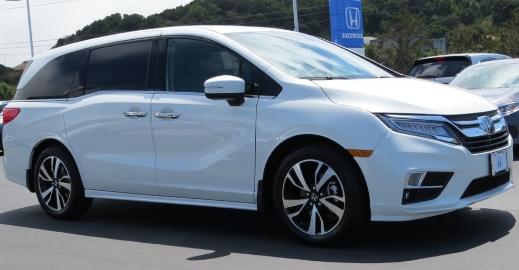 Beragam Fungsi Hiburan dalam Mobil Honda Odyssey